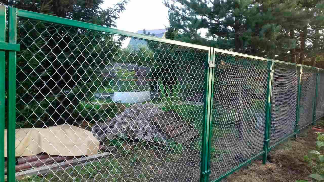 забор из сетки рабицы фото г иркутск